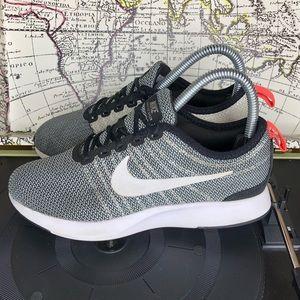 Nike Dualtone racer boys size 4Y
